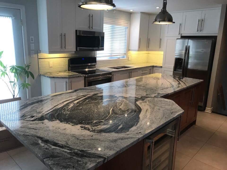 Cuisine en quartzite, marbre, quartz et granite à Laval - Granitenzo