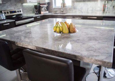 realisations-comptoir-super-white-quartzite-granitenzo